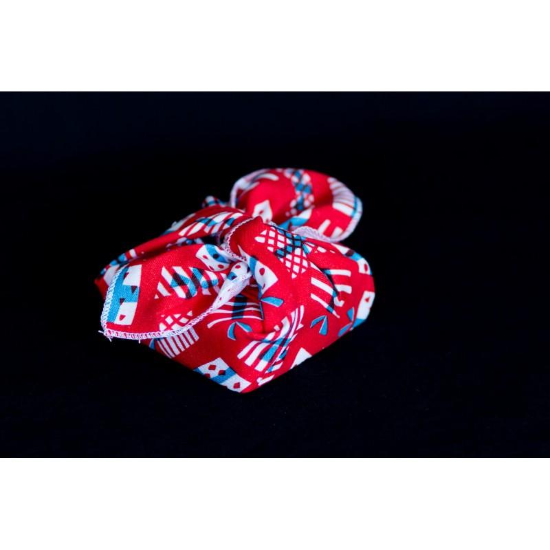 savon emballé avec un carré de tissu en coton bio rouge cadeaux de noel