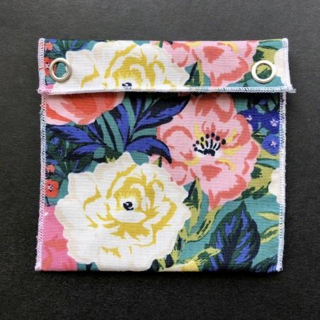 pochette imperméable en coton bio grandes fleurs claires