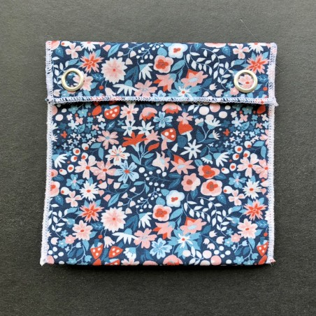 pochette imperméable en coton bio petites fleurs claires